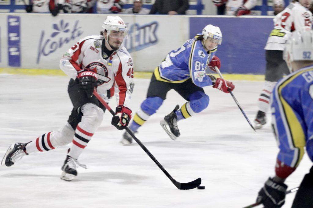 «Дніпро» виграв 3-й період, але поступився в матчі